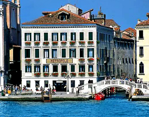 The best luxury hotels in venice italy for Great small hotels italy