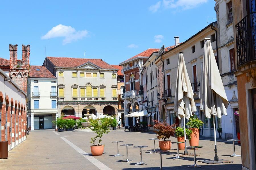 Piazza Thiene