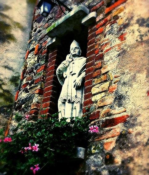 Stautue in Borghetto