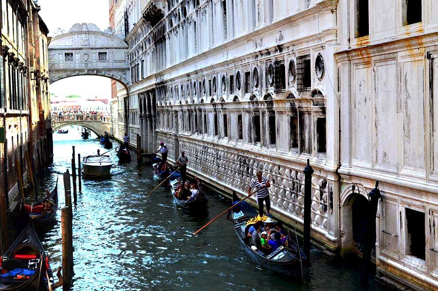 Gondolas under the Bridge of Sighs
