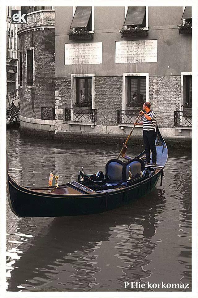 Gondola in black and white