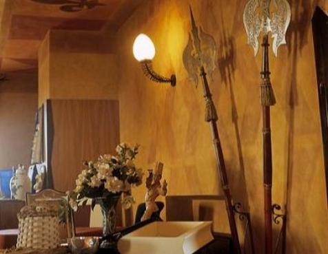 A Haunted Lake Garda Restaurant