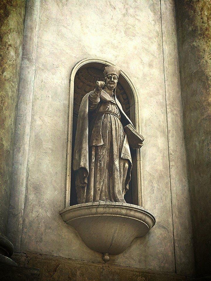 Statue in Lazise Italy