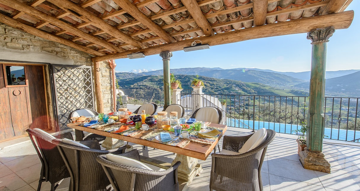 Lunch & view - Italy
