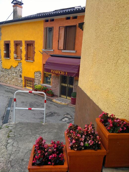 Bread Shop, Santorso