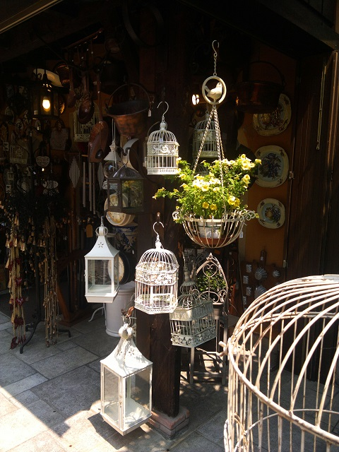 Unusual Shop in Sirmione