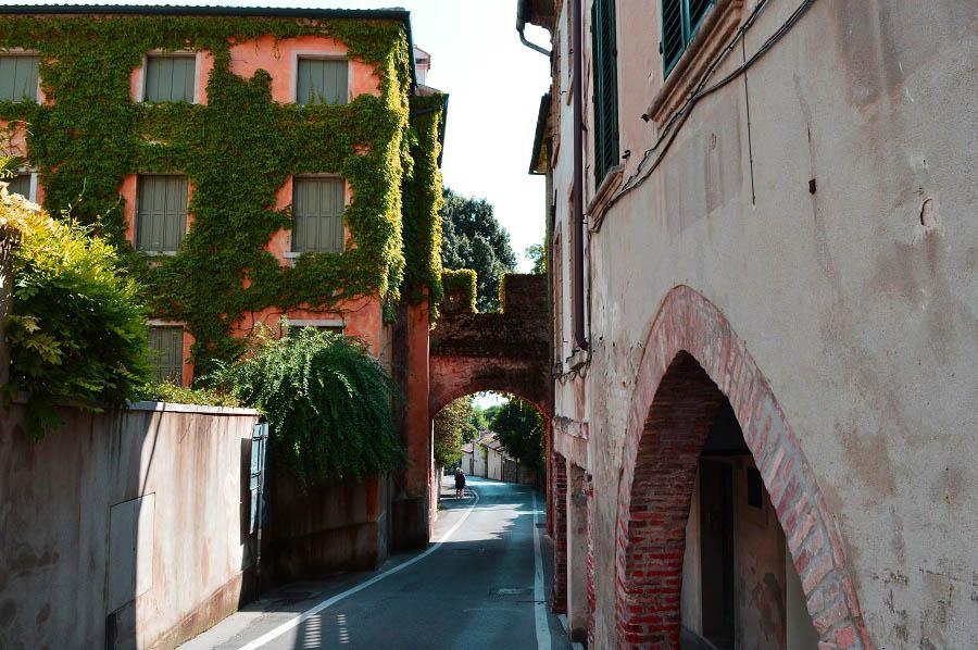 Town of Asolo entrance