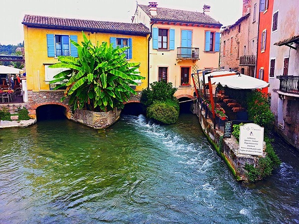 Borghetto sul Mincio is one of Italy's loveliest villages. You won't believe how gorgeous it is! WARNING: These photos risk causing you to fall hopelessly in love with this magical spot.