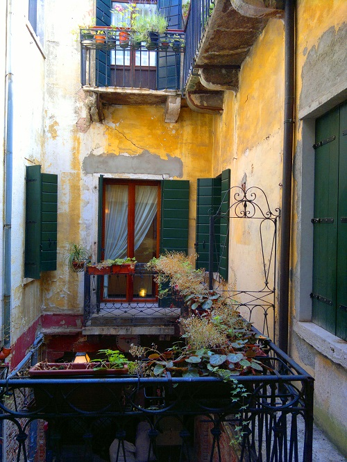 Courtyard in Venice Italy