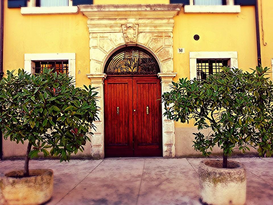 Yellow House Italy