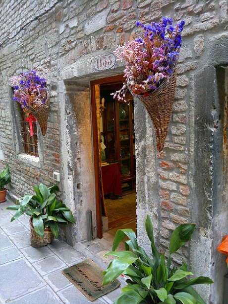 Jewish ghetto in Venice doorway
