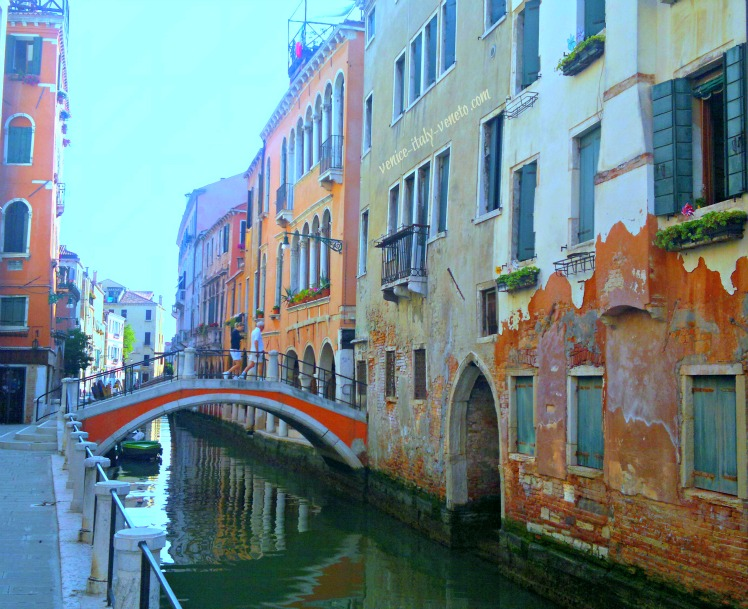 Canal in Cannaregio Sestriere
